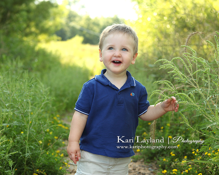 Laughing child, photographed by MN child photographer Kari Layland