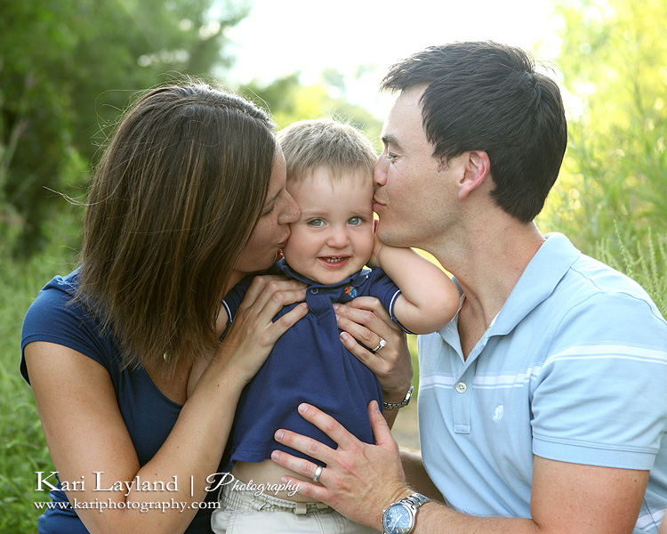 Candid family portrait taken during mini sessions at Lebanon Hills in Eagan MN.
