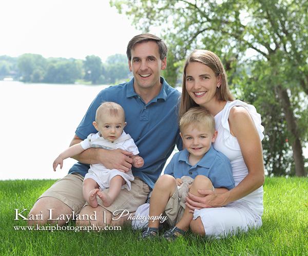 holiday family photo ideas - MN family photography