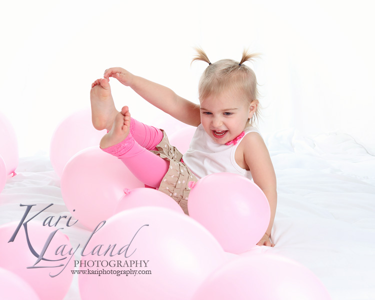 Kari Layland Photography candid child photographer